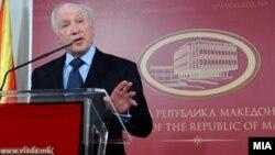 Република - Поминаа 18 години откако Нимиц предвиде раздвижување на преговорите и можност за решение.