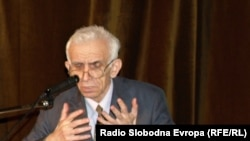Nurko Pobrić, profesor doktor Ustavnog prava s Univerziteta Džemal Bijedić u Mostaru.