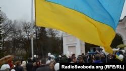 Акция «За мир и единство Украины» у памятника Тарасу Шевченко в Симферополе. 7 марта 2014 года. Архивное фото