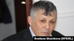 Пенсионер Сансызбай Муканов. Астана, 13 марта 2017 года.