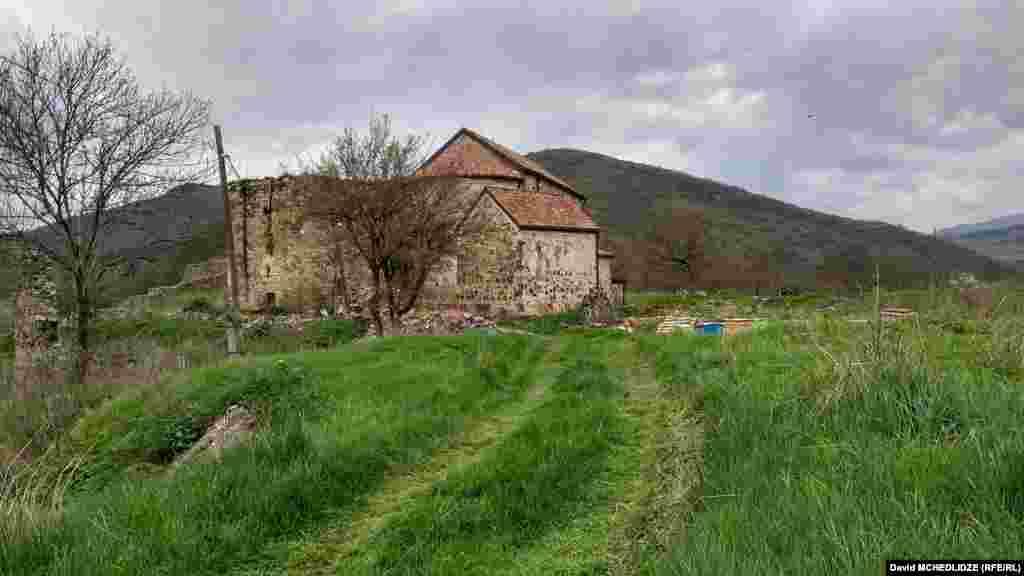 ორბელიანების კოშკი და შუა საუკუნეების ეკლესია-მონასტერი