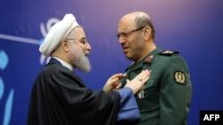 8 февраль Иран саклану министры (у) президент Хәсән Руханидан атом програмы чишелеше өчен медаль алды