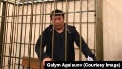 Муратбек Тунгишбаев в суде в Бишкеке по жалобе на решение о мере пресечения в виде содержания под стражей.