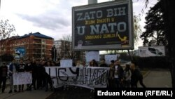 Od samita NATO-a u Talinu, sedam godina BiH na putu ka NATO tapka u mjestu: anti NATO protest u Banjaluci u decembru 2016.