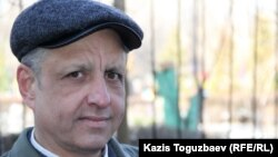 Абдрэшид Кушаев, называющий себя беженцем из Узбекистана. Алматы, 17 марта 2015 года.