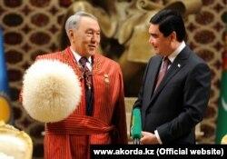Гурбангулы Бердымухаммедов на встрече в Ашхабаде с президентом Казахстана Нурсултаном Назарбаевым