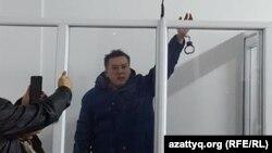 Журналист Жанболат Мамай в суде в Алматы. 11 февраля 2017 года.