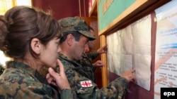 Глава ЦИКа Зураб Харатишвили сказал сегодня, что они в том числе и при помощи политических партий уже внесли почти 136 тысяч изменений в избирательные списки