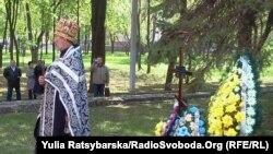 Відновлення хреста і вшанування пам'яті бійців УНР у Дніпропетровську, 9 травня 2011 року