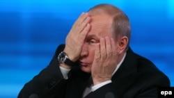 Владимир Путин признает, что причины стагнации экономики нужно искать внутри страны