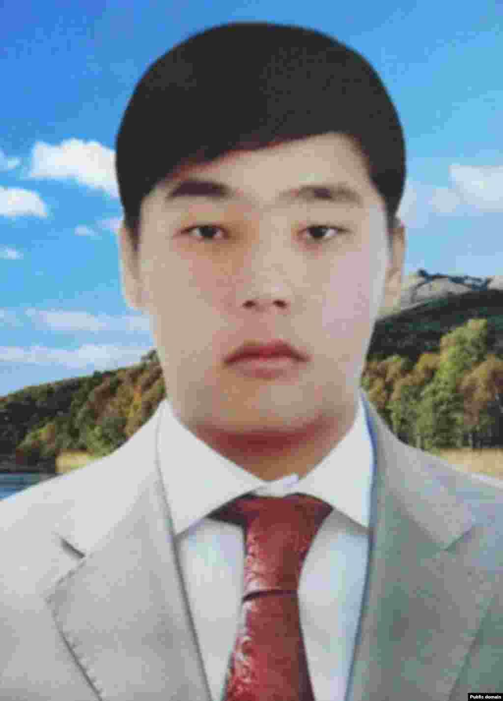 Рахат Кушеров был убит 16 декабря 2011 года в городе Жанаозен.