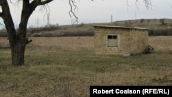 Crimea's Tatars build small structures on plots they don't have rights to while they fight for ownership.