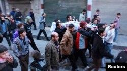 Похорон одного з загиблих у боях поміж ісламістами, околиця Алеппо, 7 січня 2014 року
