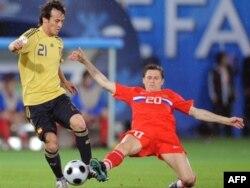 Ресей құрамасының жартылай қорғаушысы Игорь Семшов Испания-Ресей матчы кезінде. Вена, 26 маусым 2008 жыл