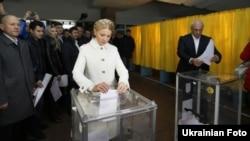The leader of the Batkivshchyna Party, Yulia Tymoshenko, votes at a polling station in Dnipropetrovsk.