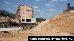 Macedonia - Damaged retaining wall in Skopje - 11Jul2012