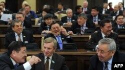 Парламент сессиясы. Астана, 14 қаңтар 2011 жыл. (Көрнекі сурет)