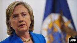 Sekretarja amerikane e shtetit, Hillari Klinton, gjatë konferencës për tërmetin në Haiti