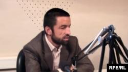 Шӯҳрат Шодиев, рӯзноманигори мустақили тоҷик