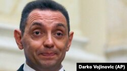 Српскиот министер за одбрана, Александар Вулин