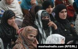 Афганские активистки требуют открытия приютов для пострадавших женщин. Кабул, 10 января 2012 года.