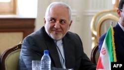Амир Фазел е бил част от делегацията на външния министър Мохамад Зариф (на снимката) по време на бягството си