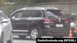 Працівник СБУ Ладур користується автівкою свого батька