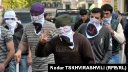 Грузия оппозициясының белсенділері.Тбилиси. 22 мамыр. 2011