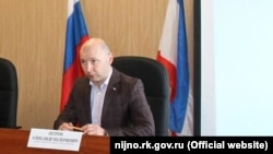 Seyitler rayonınıñ başı Aleksandr Petrov