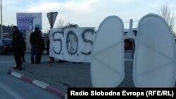 Битолчани протестираат против загадувањето на воздухот.