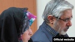 میرحسین موسوی و زهرا رهنورد از اسفند سال ۱۳۸۹ در خانه خود زندانی هستند