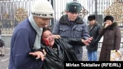 Жыпаркан Өмүрова өрт өчүрүлгөндөн кийин. Бишкек, 31-январь.
