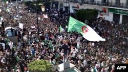 Одна из массовых демонстраций в Алжире, март 2019