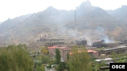 The Alaverdi copper mine in Lori Province is near the Teghut deposit, which is now open to mining operations.