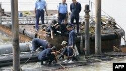 Робота військових водолазів