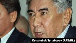 «Азат» ЖСДП тең төрағасы Жармақан Тұяқбай. Алматы, 20 желтоқсан 2011 жыл.