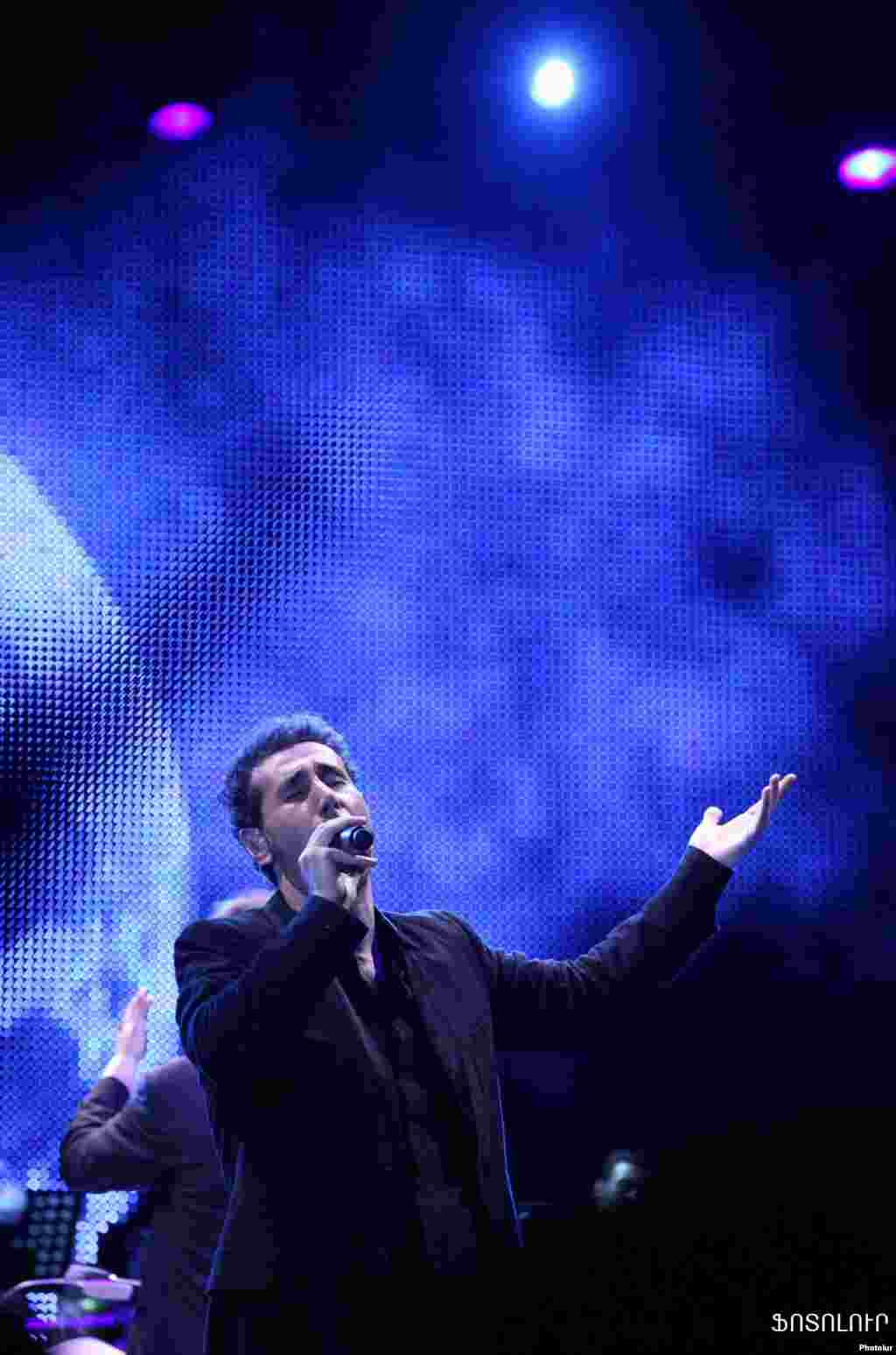 Armenia -- World known rock-star of Armenian origin Serj Tankian gives a concert in Yerevan, 14Aug2011 - Armenia -- World known rock-star of Armenian origin Serj Tankian gives a concert in Yerevan, 14Aug2011