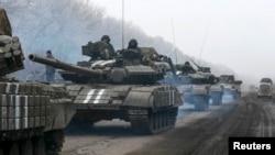 Танки украинской армии. Донецкая область, 14 февраля 2015 года.
