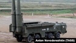 """Ракетный комплекс """"Искандер"""" на выставке вооружений в Подмосковье. 23 августа 2017 года."""