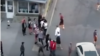 Потасовка между мигрантами в Екатеринбурге. Скриншот с видео