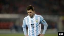 Lionel Messi në fanelën e Argjentinës gjatë ndeshjes kundër Kilit në vitin 2015