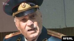 Анатолій Зарва, командир гармати польової артилерії