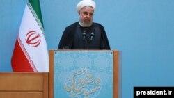 حسن روحانی میگوید که سیاست ایران در مقابل فشار حداکثری آمریکا، «مقابله و ایستادگی است».