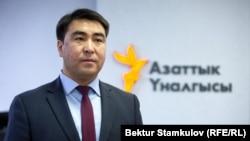 Жанарбек Акаев.