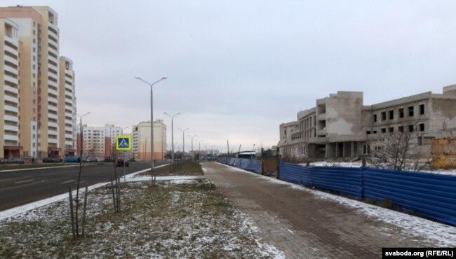 Даўгабуд на Златавустаўскага: адміністрацыйна-спартовы корпус вясьлярнага канала