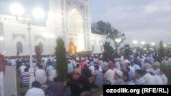 Центральная мечеть «Минор» в Ташкенте.