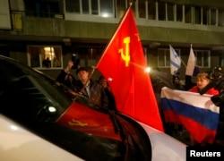 Пророссийские демонстрации в Симферополе 5 марта