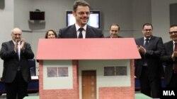 """Министерот за финансии Зоран Ставрески го промовира проектот """"Купи куќа, купи стан""""."""