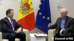 Cu președintele UE, Herman Van Rompuy la Bruxelles, la începutui lui decembrie.