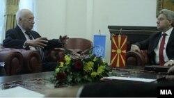 Средба на медијаторот Метју Нимиц со претседателот Ѓорге Иванов во Скопје.